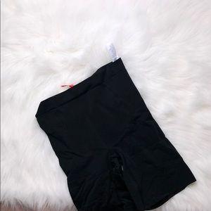 Spanx Black High Waist shorts M